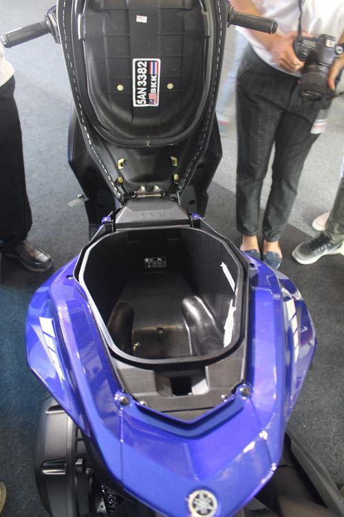 """Đánh giá Yamaha NVX 2017: Sự thay thế hoàn hảo cho """"tiền bối"""" - 5"""