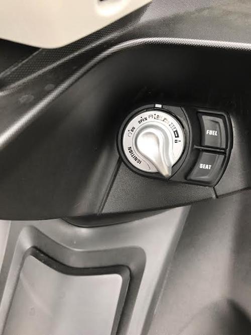 """Đánh giá Yamaha NVX 2017: Sự thay thế hoàn hảo cho """"tiền bối"""" - 8"""