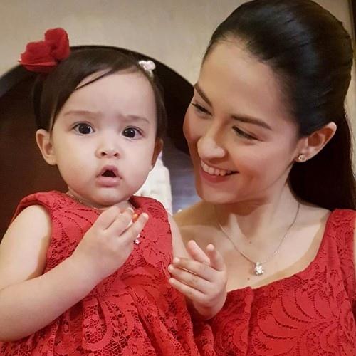 Người đẹp số 1 Philippines rạng ngời mừng con gái 1  tuổi - 3