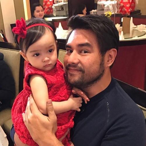 Người đẹp số 1 Philippines rạng ngời mừng con gái 1  tuổi - 4