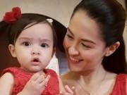 Người đẹp số 1 Philippines rạng ngời mừng con gái 1  tuổi