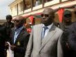 Đại gia dầu mỏ Nigeria dùng súng vàng bắn tiền lả tả