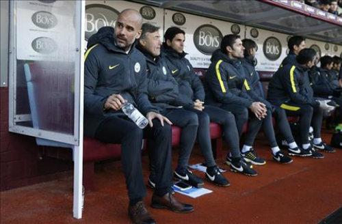 Man City liên tục thắng nhọc: Pep đang run sợ - 1