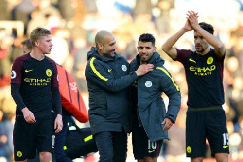 Man City liên tục thắng nhọc: Pep đang run sợ - 2
