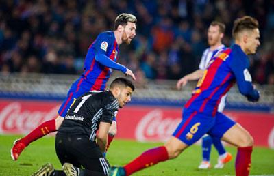 Chi tiết Sociedad - Barcelona: Trọng tài cướp mất bàn thắng (KT) - 5
