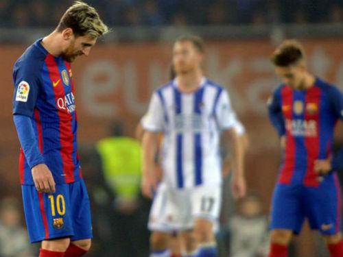 Gặp dớp 10 năm, Barca - Messi tệ chưa từng thấy - 1