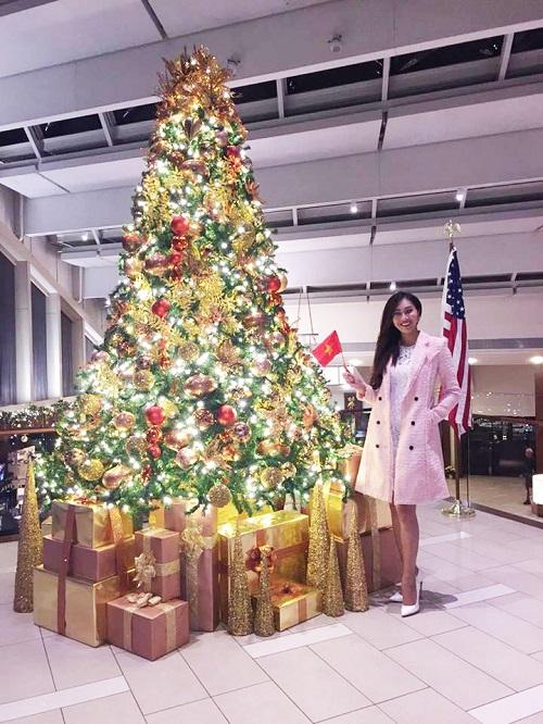 Hoa khôi Diệu Ngọc được khen khi thi tài năng Miss World - 1