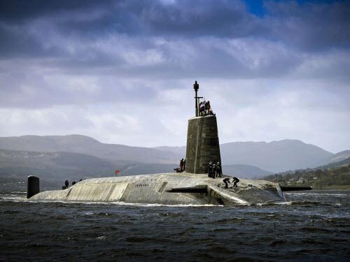 Cuộc sống tiện nghi của lính trên tàu ngầm hạt nhân Anh - 1
