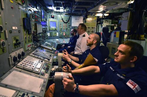 Cuộc sống tiện nghi của lính trên tàu ngầm hạt nhân Anh - 3