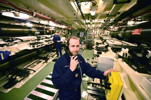 Cuộc sống tiện nghi của lính trên tàu ngầm hạt nhân Anh - 6