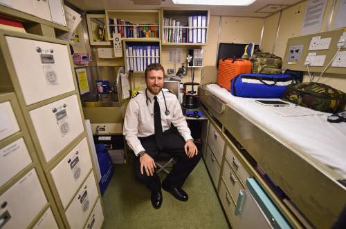 Cuộc sống tiện nghi của lính trên tàu ngầm hạt nhân Anh - 8