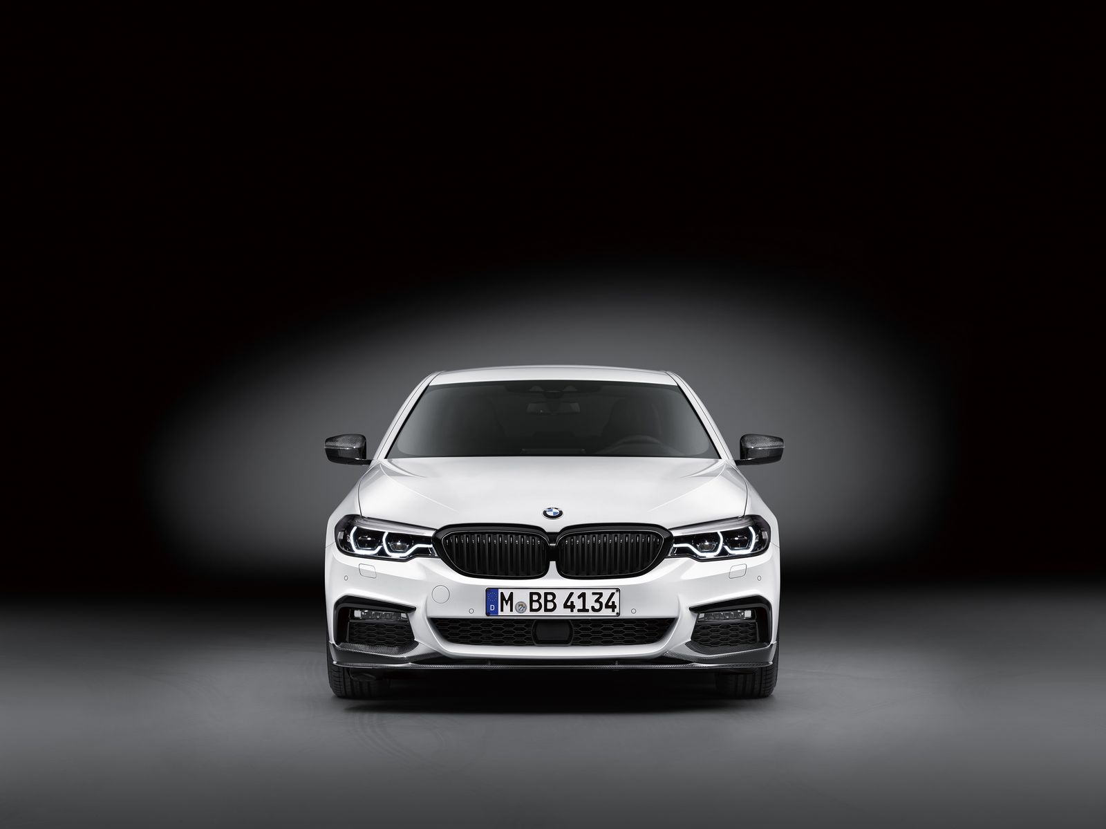 BMW tung loạt phụ kiện M Performance dành cho mẫu 5 Series - 6