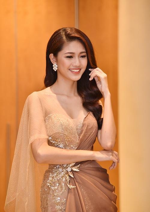 Á hậu Thanh Tú quyến rũ như nữ thần với váy ren gợi cảm - 1