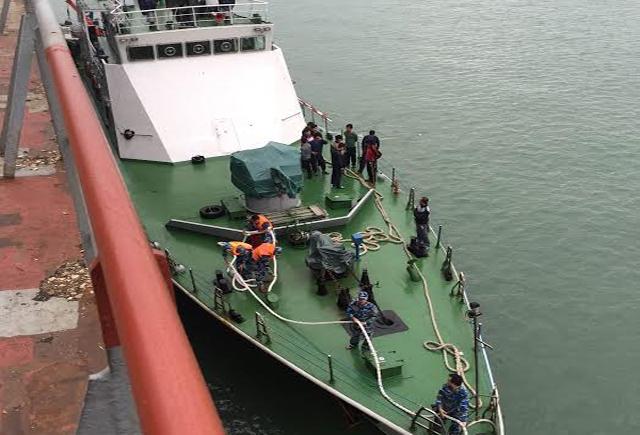 Chìm tàu chở gạo: Hành trình trên biển chờ cứu nạn - 1
