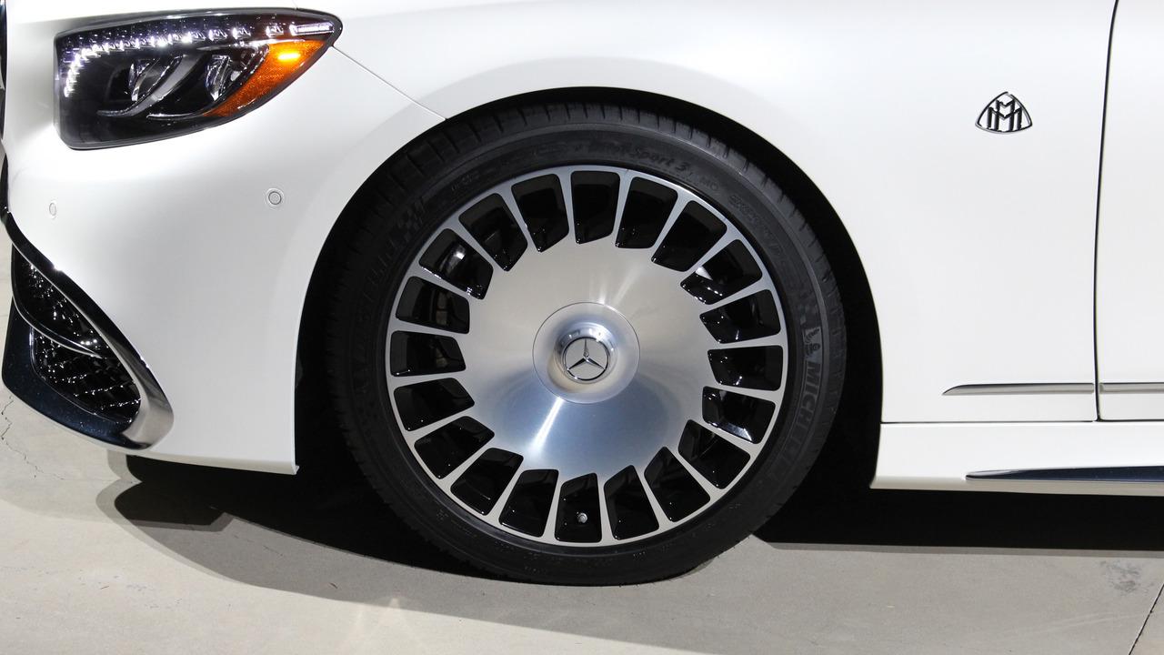 """Mercedes """"tuyển chọn"""" khách hàng mua Maybach S650 Cabriolet - 7"""