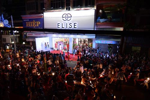 Bích Phương Idol gây chú ý tại showroom Elise Quy Nhơn - 2