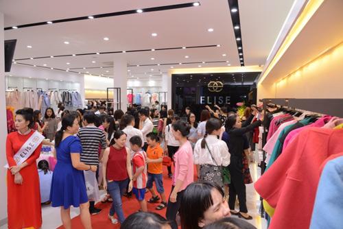 Bích Phương Idol gây chú ý tại showroom Elise Quy Nhơn - 8
