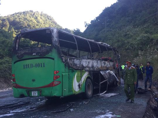 Xe cháy dữ dội sau tai nạn, một người Hàn Quốc tử nạn - 2