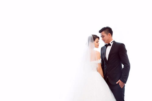 Nữ DJ bốc lửa khoe ảnh cưới lãng mạn với cựu tiền đạo Việt Thắng - 9