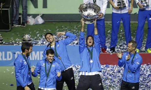 Tennis 24/7: Del Potro gãy ngón tay vẫn giúp Argentina vô địch - 1