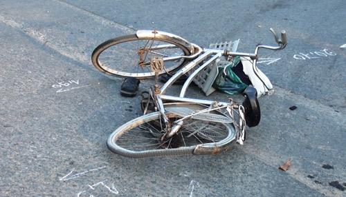 Người đàn ông đi xe đạp tử vong trên đường về nhà - 2
