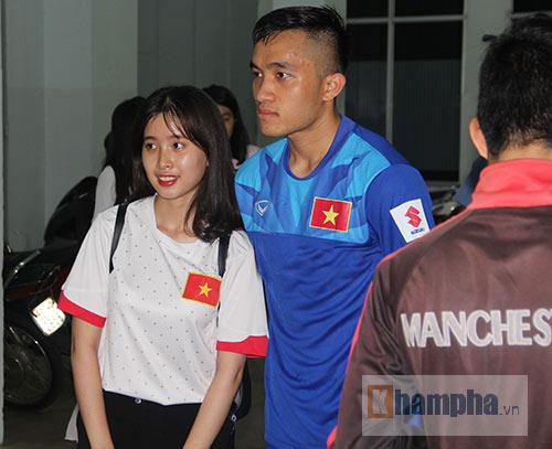 """Nữ sinh háo hức """"săn"""" ĐT Việt Nam sắp đá bán kết AFF Cup - 12"""