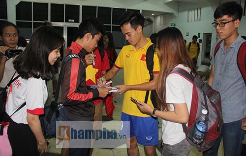 """Nữ sinh háo hức """"săn"""" ĐT Việt Nam sắp đá bán kết AFF Cup - 14"""