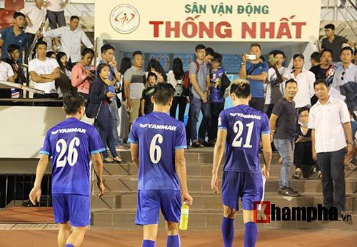 """Nữ sinh háo hức """"săn"""" ĐT Việt Nam sắp đá bán kết AFF Cup - 3"""
