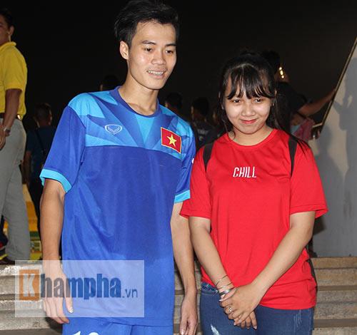 """Nữ sinh háo hức """"săn"""" ĐT Việt Nam sắp đá bán kết AFF Cup - 6"""