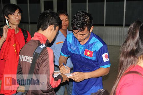 """Nữ sinh háo hức """"săn"""" ĐT Việt Nam sắp đá bán kết AFF Cup - 8"""