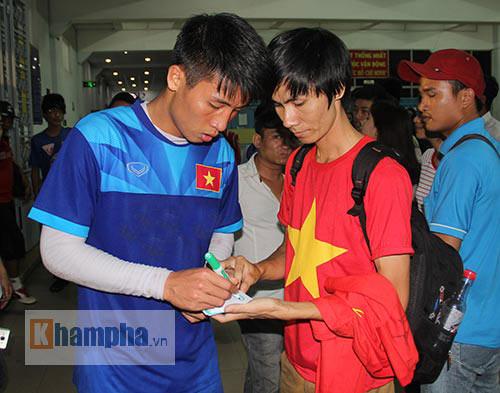 """Nữ sinh háo hức """"săn"""" ĐT Việt Nam sắp đá bán kết AFF Cup - 9"""