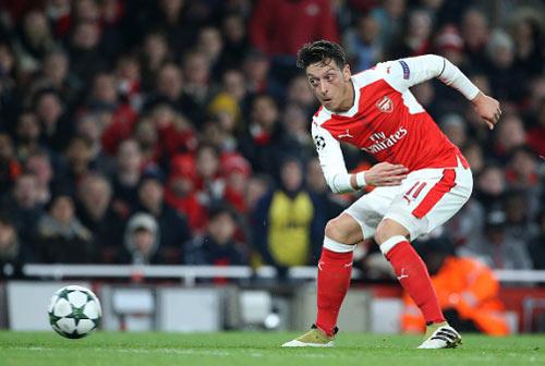 Ozil không kiến tạo là…phúc lành cho Arsenal - 1