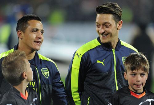 Ozil không kiến tạo là…phúc lành cho Arsenal - 2