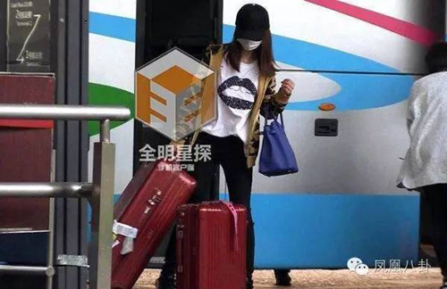 Fan bực vì cách chăm vợ bầu đối lập của Huỳnh Hiểu Minh và Hoắc Kiến Hoa - 4
