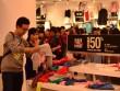 """Xếp hàng mua hàng giảm giá """"khủng"""" ngày Black Friday tại Vincom"""