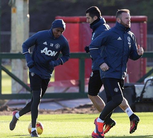 MU: Mourinho khởi đầu tệ y hệt… Sir Alex - 5