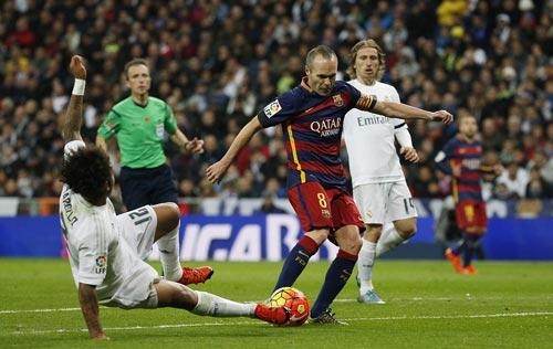 """Barca """"lê bước"""" tới Siêu kinh điển: Nỗi nhớ Iniesta - 2"""