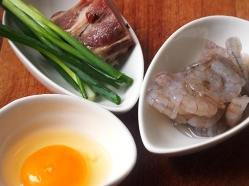 Cách làm cơm chiên Dương Châu ngon và đúng vị nhất - 1