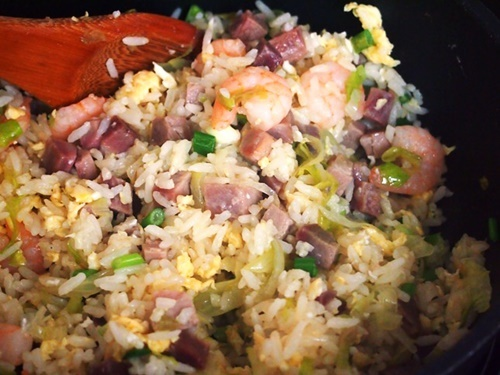 Cách làm cơm chiên Dương Châu ngon và đúng vị nhất - 14