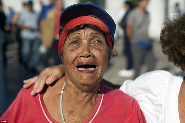 Dân Cuba nghẹn ngào từ biệt lãnh tụ Fidel Castro - 2