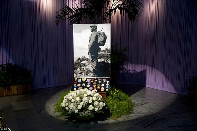 Dân Cuba nghẹn ngào từ biệt lãnh tụ Fidel Castro - 5