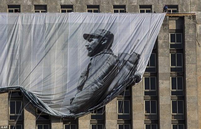Dân Cuba nghẹn ngào từ biệt lãnh tụ Fidel Castro - 10
