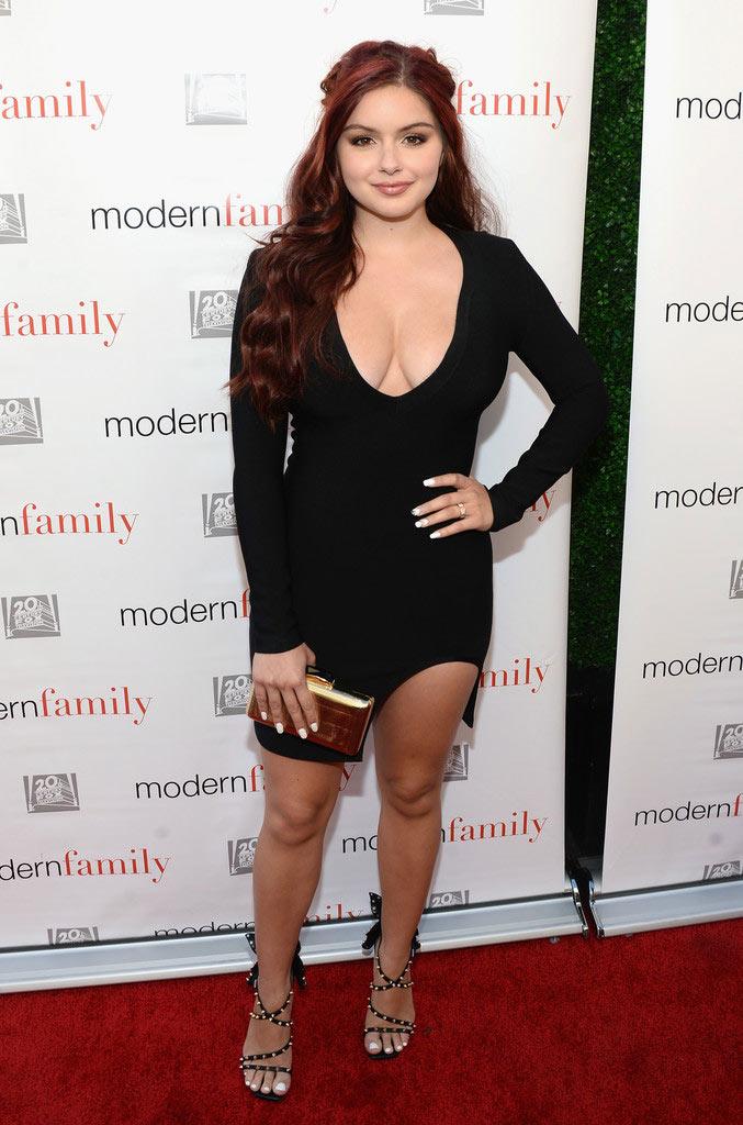 Cô béo đẹp nhất Hollywood mặc đồ ngắn trên hở dưới - 11