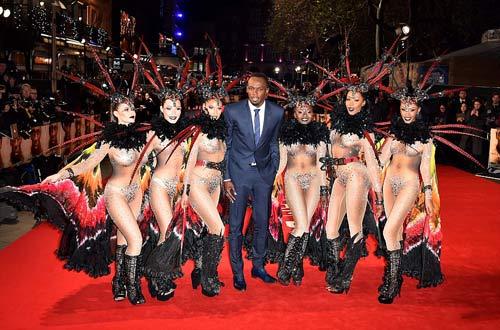 """Usain Bolt ra mắt phim, """"rừng"""" sao VIP, vũ công nóng bỏng tề tựu - 1"""