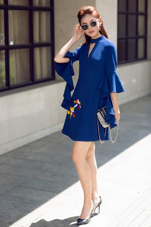 Á hậu Thùy Dung bất ngờ cá tính với áo bra-top hở eo - 6