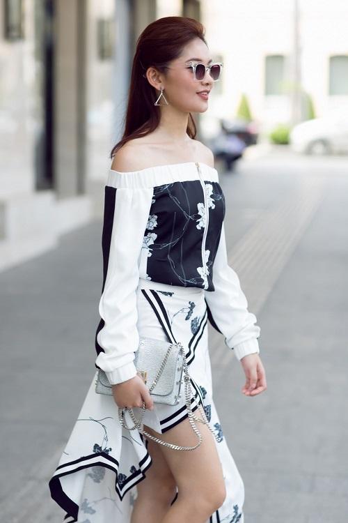 Á hậu Thùy Dung bất ngờ cá tính với áo bra-top hở eo - 9
