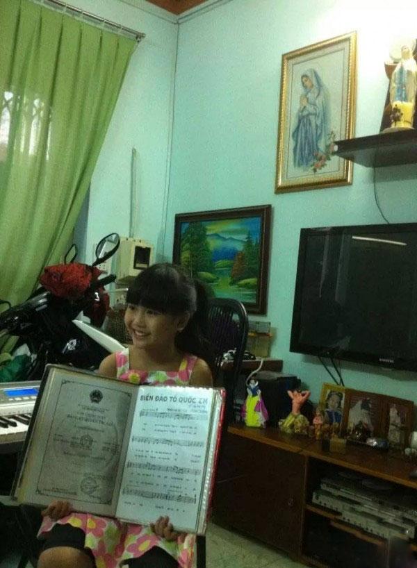 """Cuộc sống thực của """"cô bé 100 triệu view"""" vượt xa Sơn Tùng - 8"""