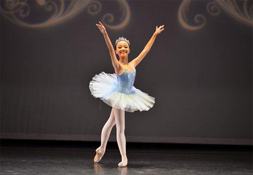 Gặp gỡ nữ sinh 13 tuổi với hơn 10 năm trên sàn diễn Ballet - 1