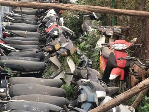 """CSGT Hà Nội """"đau đầu"""" vì bãi xe vi phạm quá tải - 2"""