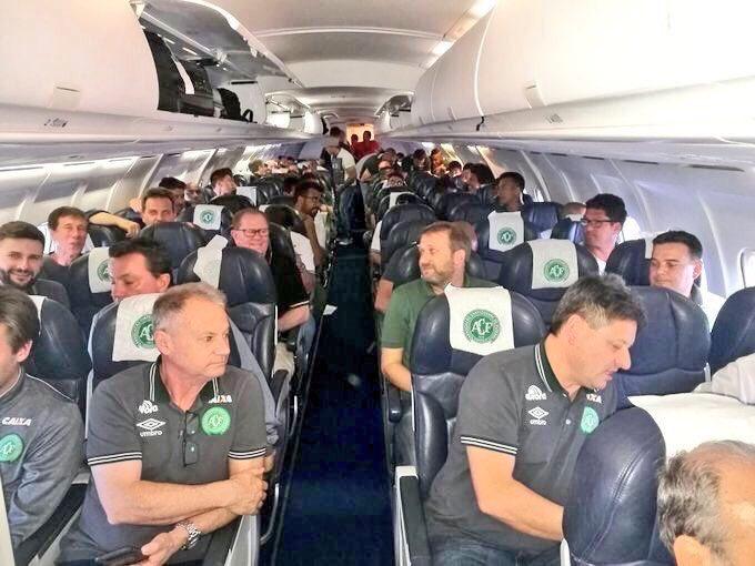 Máy bay chở CLB bóng đá Brazil rơi: 71 người thiệt mạng - 5